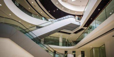 Douala Grand Mall ouvre ses portes. La cérémonie d'inauguration du tout premier édifice vert en Afrique centrale, établi sur 38.000m2, a rassemblé derrière le Premier Ministre, le gratin d'hommes d'affaires ce jeudi 17 décembre 2020