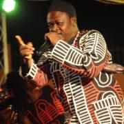 Ateh Francis Ngong, dit Ateh Bazore a été porté à la tête de la présidence du conseil d'administration de la Société nationale camerounaise de l'art musical, au terme de l'Assemblée générale élective de ce samedi 12 décembre 2020
