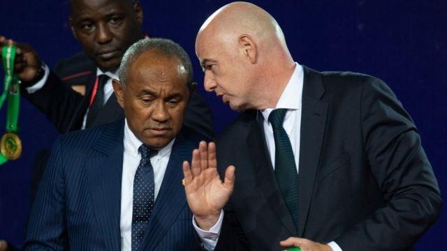 Le président de la Fédération internationale de football association (Fifa) ferait feu de tout bois pour trouver un compromis afin de procéder au partage de postes entre les quatre candidats : le Sud-Africain Patrice Motsepe, le Sénégalais Augustin Senghor, le Mauritanien Ahmed Yahya et l'Ivoirien Jacques Anouma.