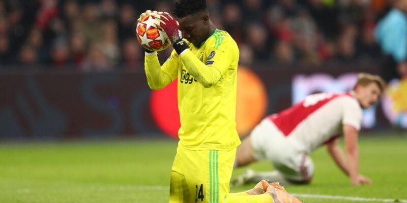 Débutée en 2016, la belle aventure entre le club néerlandais et son gardien titulaire de 25 ans se rapproche peut-être de la fin. Le contrat de l'international camerounais expire en effet en juin 2022 et les négociations pour le prolonger ont échoué.