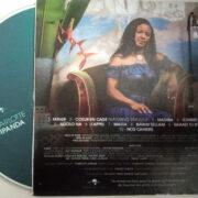 CD, titre de son cinquième album est une autobiographie en chanson de l'artiste. Voilà pourquoi il a été baptisé tout simplement CD, Charlotte Dipanda.
