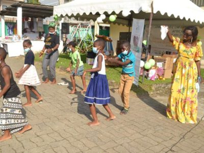 En prélude à la journée mondiale de l'enfant africain célébrée tous les 16 juin, ces étoiles du Littoral ont ravivé la flamme de l'espoir et redonné du sourire aux nombreux enfants de l'orphelinat ''Main dans la main'