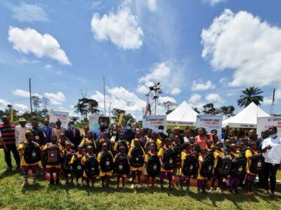 L'action sociale de la Société anonyme des Brasseries du Cameroun a réuni du beau monde, le 24 juin 2021, dans la cour de cette école maternelle publique