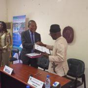 Enseignement: l'Université de Douala et la fondation AfricAvenir liées par une convention de coopération