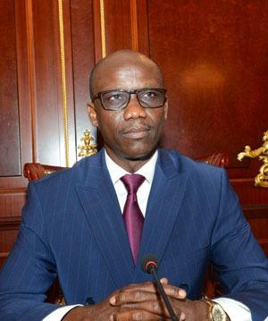 le ministre Tchadien de l'Economie, de la Planification, du Développement et de la Coopération internationale, Dr Issa Doubragne, revient sur les solutions de la Cemac pour une sortie de crise