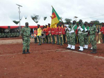 La cérémonie de remise de l'étendard s'est déroulée au Centre de formation Pré-déploiement aux opérations de maintien de la paix de Motcheboum dans l'Est Cameroun.