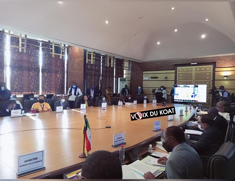 Les Chefs d'Etat et de gouvernement de la Communauté économique et monétaire de l'Afrique Centrale se réunissent en session extraordinaire le 18 août 2021 au Cameroun.