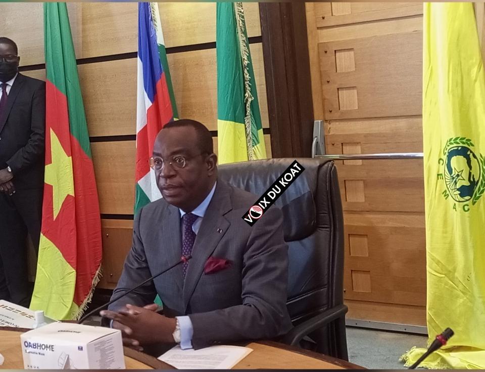 Entre récession et non-respect des échéances convenues, les pays de la Communauté économique et monétaire de l'Afrique Centrale peinent à sortir la tête de l'eau.